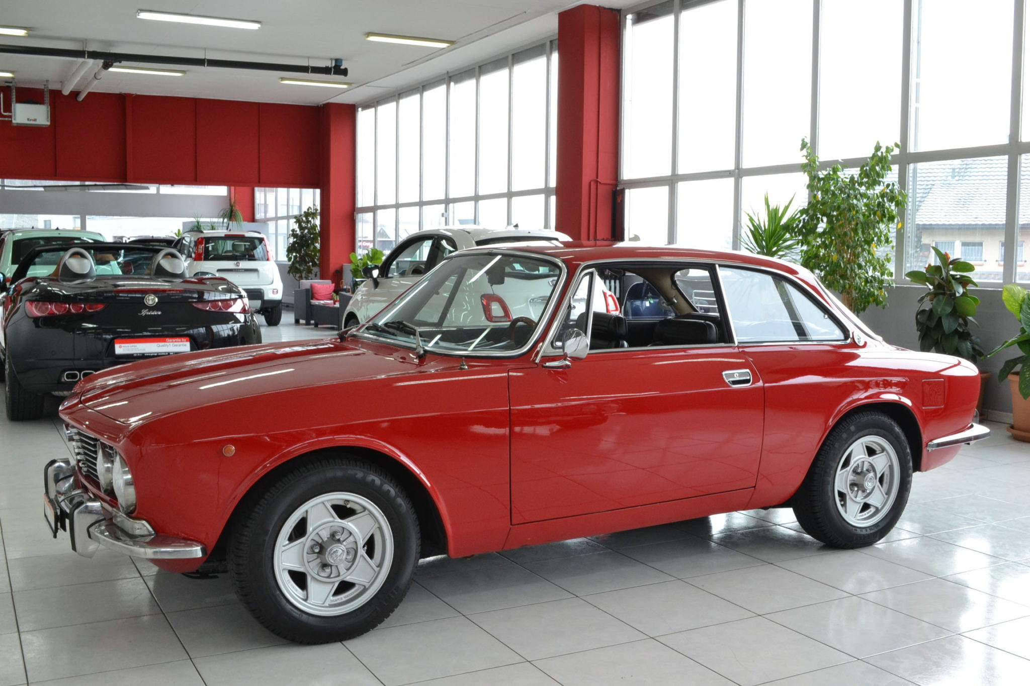 Alfa romeo gt 2000 veloce rosso alfa garage vecchio for Garage alfa romeo 95