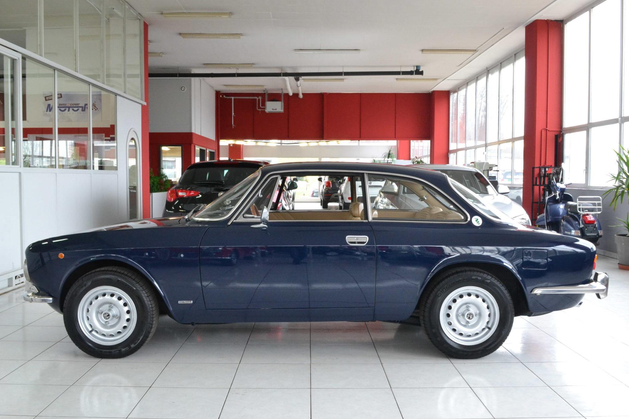 Alfa romeo gt 2000 veloce blu olandese garage vecchio for Garage alfa romeo 95