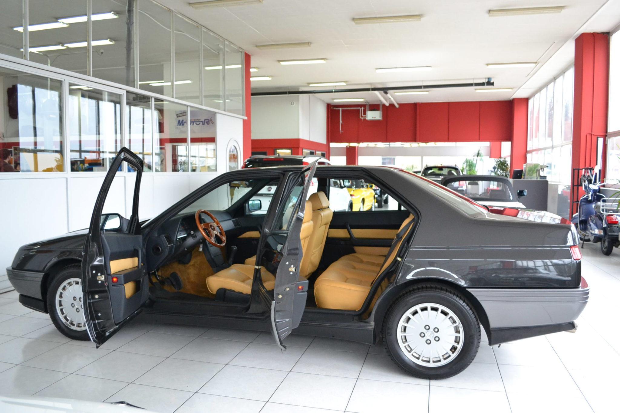 alfa romeo 164 2 0 v6 turbo nero mettalizzato garage vecchio. Black Bedroom Furniture Sets. Home Design Ideas