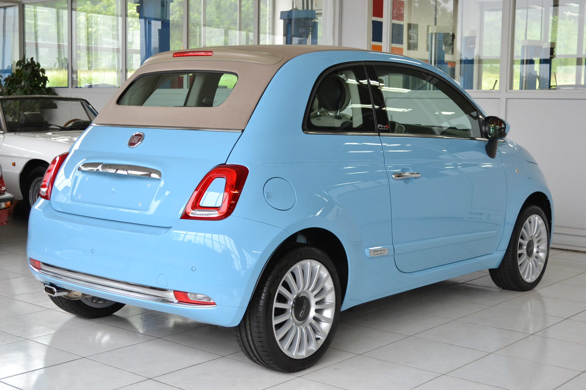Fiat 500 c 1 2 lounge hellblau garage vecchio for Garage fiat echirolles