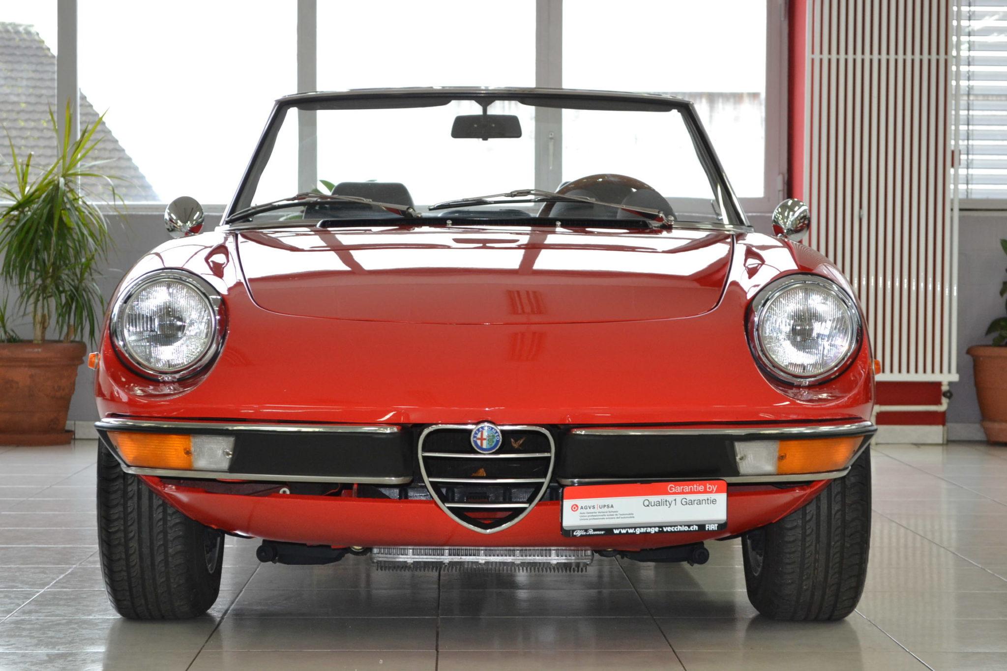 Alfa romeo spider 2000 rosso alfa garage vecchio for Garage alfa romeo 95